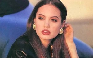 17 годишната Анджелина Джоли, 1992