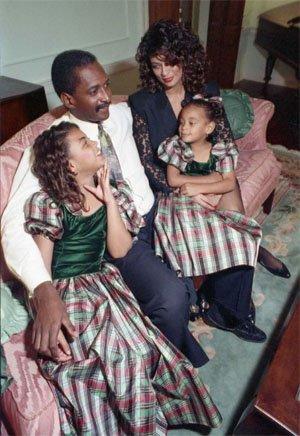 Бионсе и Соландж Ноулс с техните родители, 1990