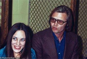 Родителите на Анджелина Джоли, 1972